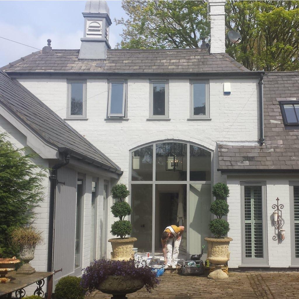Painting exterior masonry, windows, fascias & woodwork